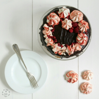 Vanilkový dort s malinami